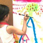 Louise - 7 ans - Imagine et peins un monde au sommet d'une montagne